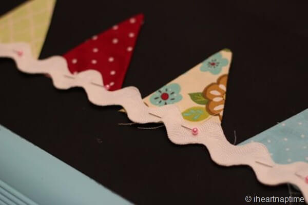 learn how to sew a banner with this tutorial