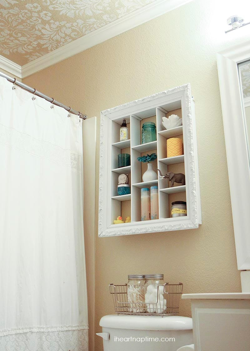 DIY bathroom makeover from @iheartnaptime