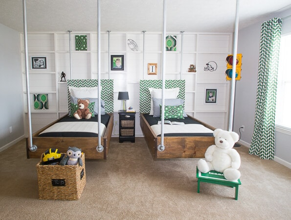 green and blac kroom