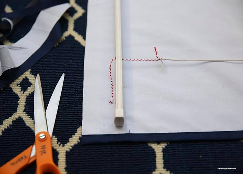 How to make inexpensive NO-SEW roman shades with cheap mini blinds. Tutorial on iheartnaptime.com