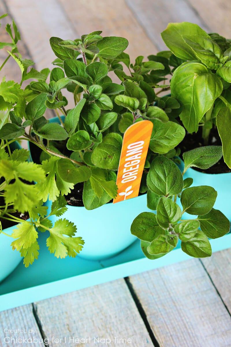 Free printable herb garden markers on iheartnaptime.com