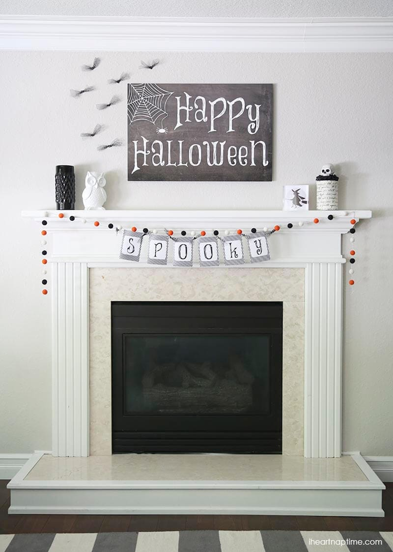 Black and white Halloween mantel + free downloads on iheartnaptime.com