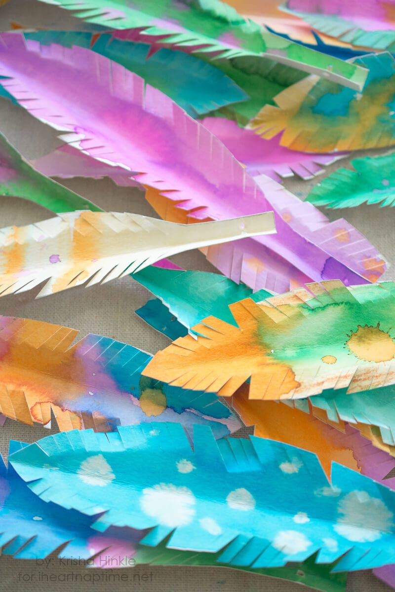 paper feather garland on iheartnaptime.com