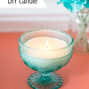 Homemade candles using cute jars and wax cubes. Super simple DIY craft to make and you can choose your own scent. Would make a nice Mother's Day gift.