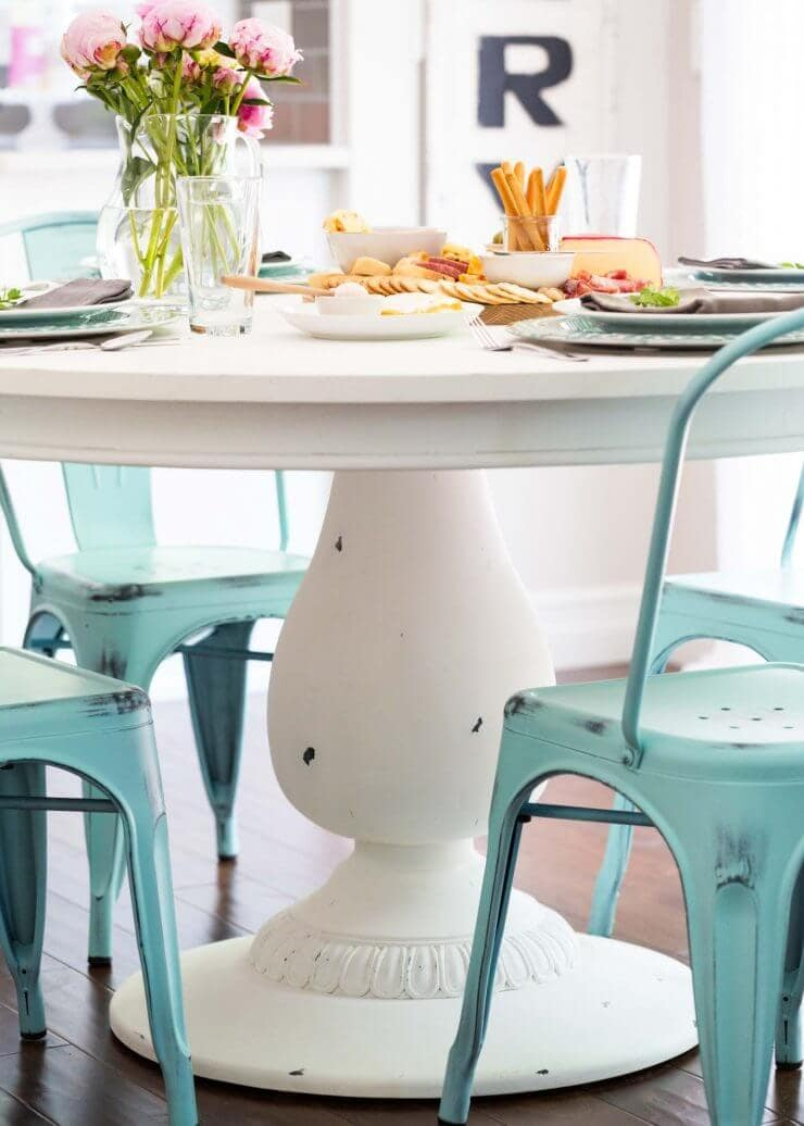 DIY Chalk Paint Table + Cheese Board... the new table was so easy to DIY and have ready for a fun party
