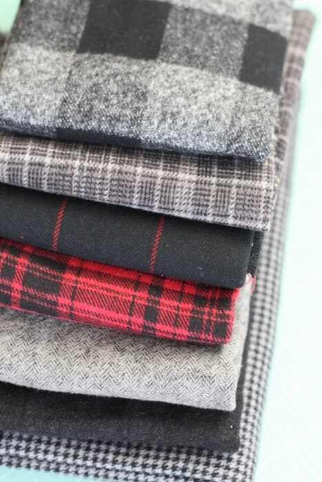 Flannel and Felt Last-Minute Handwarmers... a quick gift that you can mass-produce and have by the door, ready to share with someone who needs their heart warmed as much as their hands.