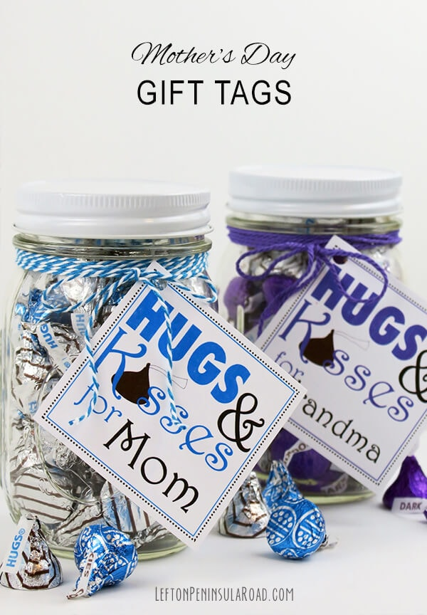 Mother's Day Printable Gift Tags Hugs and Kisses + 25 Free Mother's Day Printables - Beautiful and easy gift ideas to honor the women who make the world go round!