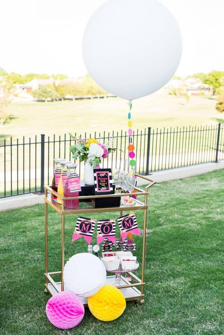 Mother's Day Brunch Printables + 25 Free Mother's Day Printables - Beautiful and easy gift ideas to honor the women who make the world go round!