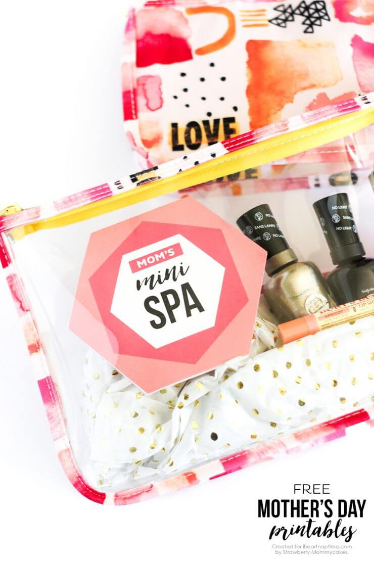 Mother's Day Mini Spa Printables + 25 Free Mother's Day Printables - Beautiful and easy gift ideas to honor the women who make the world go round!