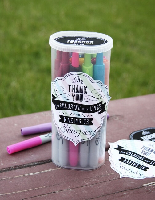 Coloring Our Lives + 25 Handmade Gift Ideas for Teacher Appreciation - the perfect way to let those special teachers know how important they are in the lives of your children!