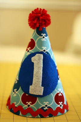 Birthday Hat Tutorial + DIY First Birthday Shirt and Party Hat - plus 15 other birthday outfit ideas to make your little one unbelievably adorable on the Big Day!