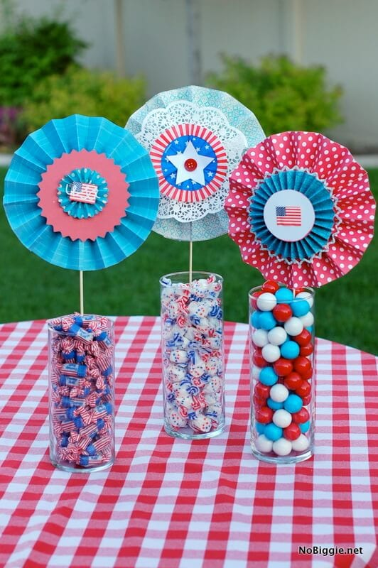 Paper Lollies + 50 Festive Memorial Day BBQ Ideas...creative ways to kick-off summer and celebrate our freedom while remembering our fallen heroes!