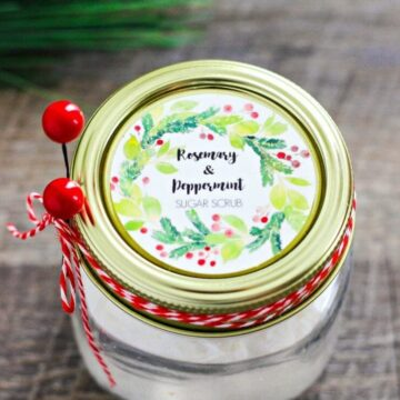 Homemade Rosemary and Peppermint Sugar Scrub recipe with free printable label. The perfect gift idea!